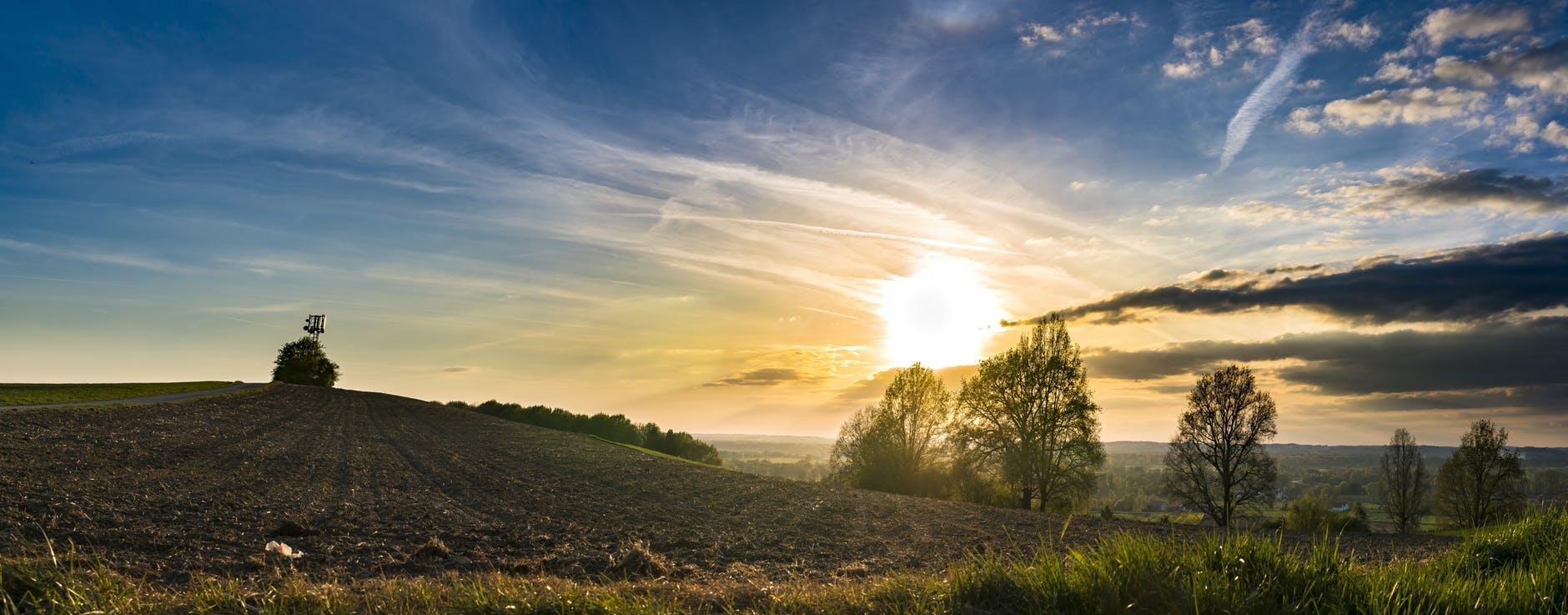 calm clouds countryside dawn